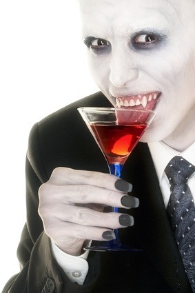 a delicious blood red halloween cocktail recipe. Black Bedroom Furniture Sets. Home Design Ideas
