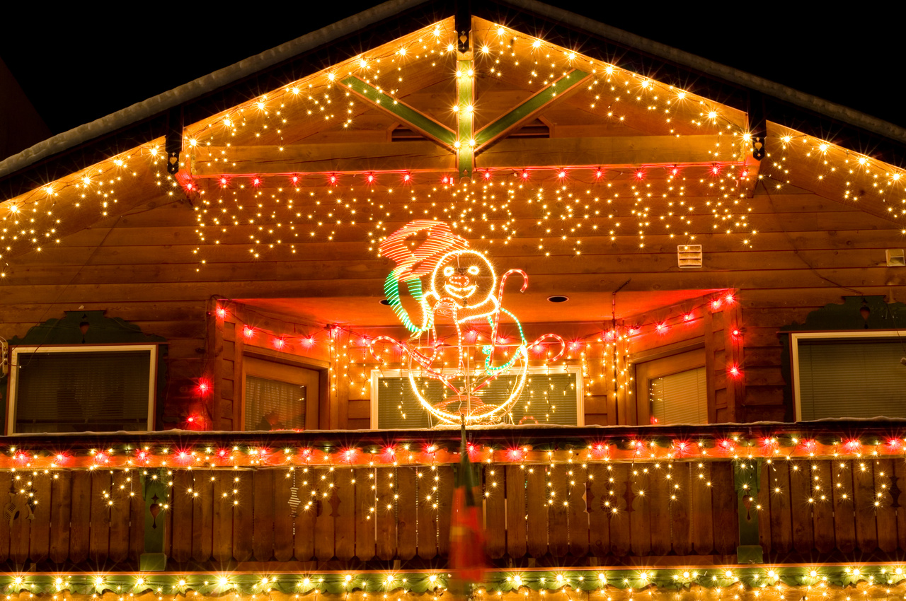 Outdoor christmas d cor for Christmas lights and decorations