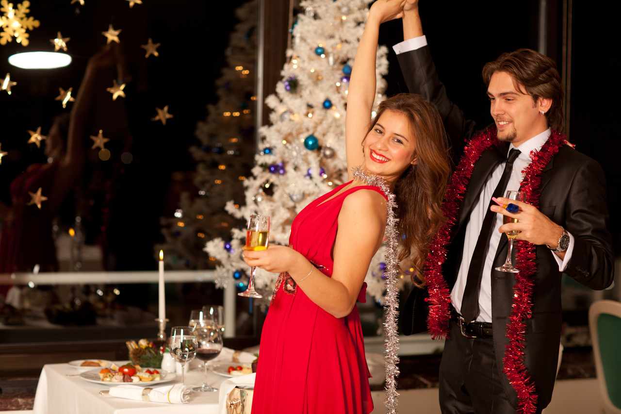 choosing the perfect holiday party dress
