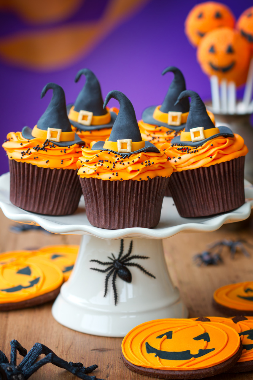 halloween witch cupcakes designs