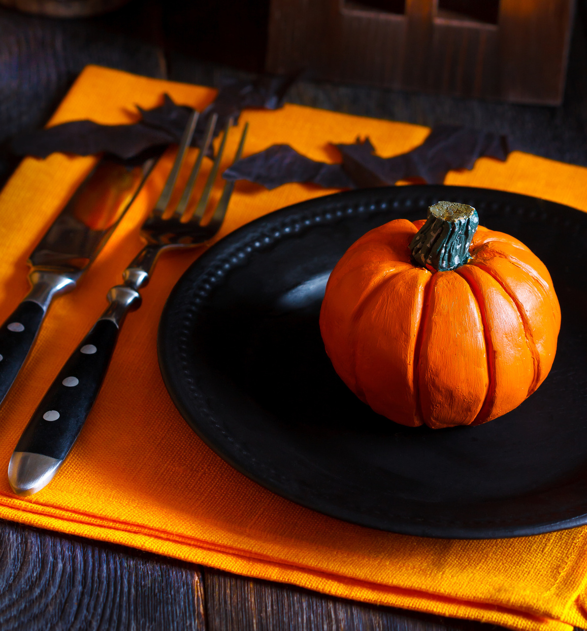 Halloween tablescapes - Frightful Halloween Tablescapes Black And Orange Decor