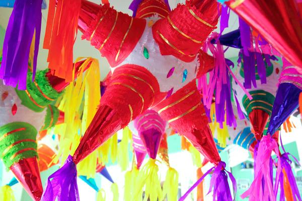 Cinco de mayo party planning for Decoration pinata