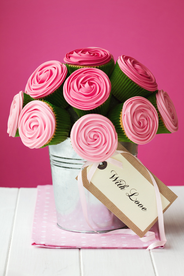Here are some creative ideas for baby shower centerpieces to get you ...